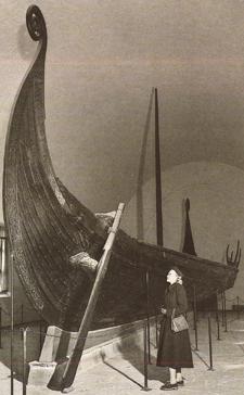 Oseberg-Schiff (aus: Archäologie in Deutschland)